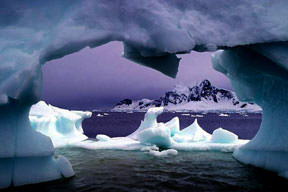Kuzey Kutbu hızla eriyor