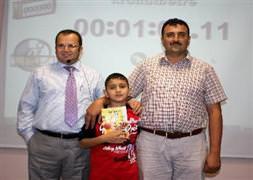 10 yaşında dünya hızlı okuma rekoru kırdı