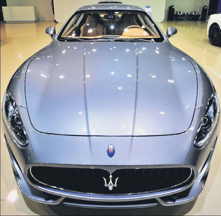 Kredi kartıyla Maserati
