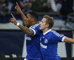 Schalkenin yıldızı kulübe resti çekti