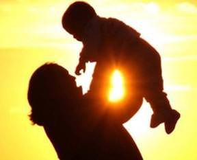 Çalışan kadına çocuk parası