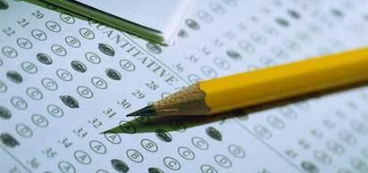 Üniversiteye giriş sınavı, sorular satıldığı için iptal edildi.
