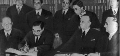 Almanya ve Japonya, Avrupa kültürünü ve dünya barışını Bolşevik tehditten korumak amacıyla Anti-Komintern Paktını imzaladı.