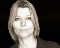 Ülkesine söven kadın: Elif Şafak!