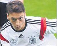 Löw'ün en önemli güvencesi Mesut Özil