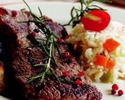 Soslu Biftek ve Sebzeli Pilav Tarifi