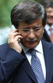 Davutoğlundan kritik telefon görüşmesi