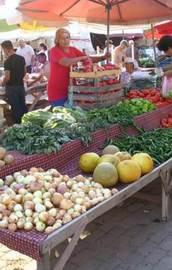 Kriz perşembe pazarını da vurdu