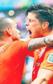 Sneijder Huntelaarı getiriyor!