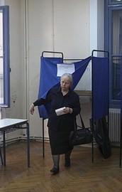 Yunanistanda halk ülkenin kaderi için sandık başında
