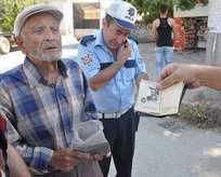 Polisi şaşkına çeviren ehliyet