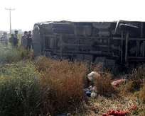 Minibüs devrildi: 3 kişi öldü