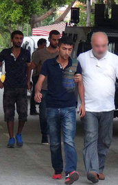 İki ilde şafak operasyonu: 30 kişi gözaltında