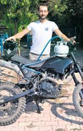Piknik tüplü motosiklet