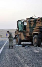 Diyarbakırda mayın patladı: 3 asker yaralı