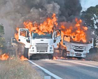 PKK 1 günde 14 araç yaktı