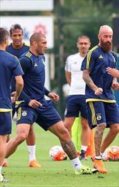 Fenerbahçe Shakhtara 4 eksikle bileniyor