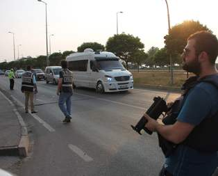 Zonguldakta bomba yüklü araç alarmı