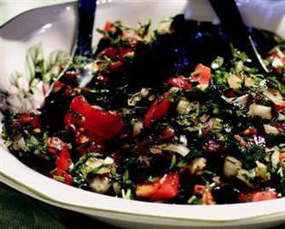 Acılı Soğan Salatası Tarifi