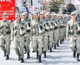 Mehmetçik Diyarbakır sokaklarını inletti