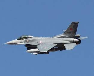 Türk F-16larını radarla taciz ettiler