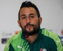 Bursaspor Ozan İpek ile yollarını ayırdı