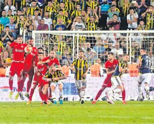 90+6da gelen golün kahramanı Kjaer