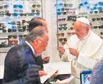 Papa pahalı sever!