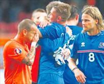 İzlandanın takım değeri Arda Turan kadar!