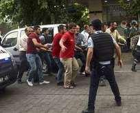 Çorbacıyı taradılar: 1 sivil öldü, 3 polis yaralı