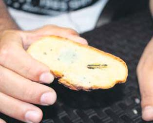 Ekmekten bıçak çıktı