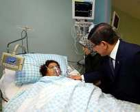 Başbakan yaralıları hastanede ziyaret etti