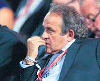FIFAdan Platiniye ömür boyu men