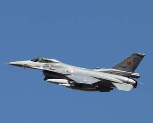 Türk jetleri taciz edildi!