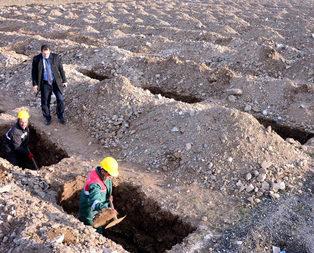 O ilde 1800 mezar kazıldı