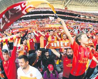 Galatasaray taraftarından lise ayaklanması!