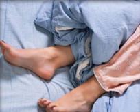 Eğer bacaklarınızda bu belirtiler varsa dikkat!