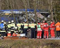 Tren kazası: Çok sayıda ölü ve yaralı var