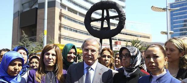 AK Partiden CHPye siyah çelenk