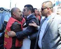 Kemal, işçileri yanına yaklaştırmadı