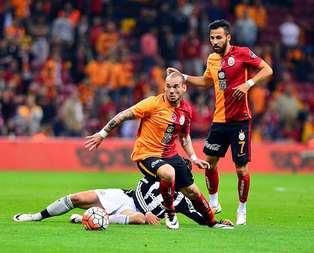 G.Saraylı futbolculardan yönetime rest