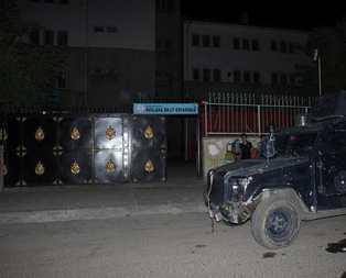 PKKlı teröristler okulu ateşe verdi