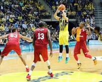 Fenerbahçe seride 2-0 öne geçti!