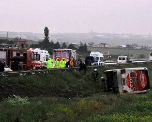 İki ilde feci kaza: 3 ölü, 51 yaralı