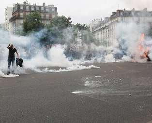 Fransada kriz giderek büyüyor