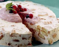 Meyveli Yoğurtlu Soğuk Pasta Tarifi
