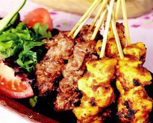 Sate Ayam (Özel Tavuk Şiş) Tarifi