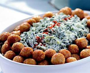 Bulgur Köfteli Pazı Salatası Tarifi