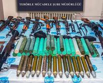 Vatandaş ihbar etti 3 çuval silah bulundu