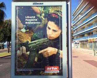O caddede PKKnın reklamını yapıyorlardı